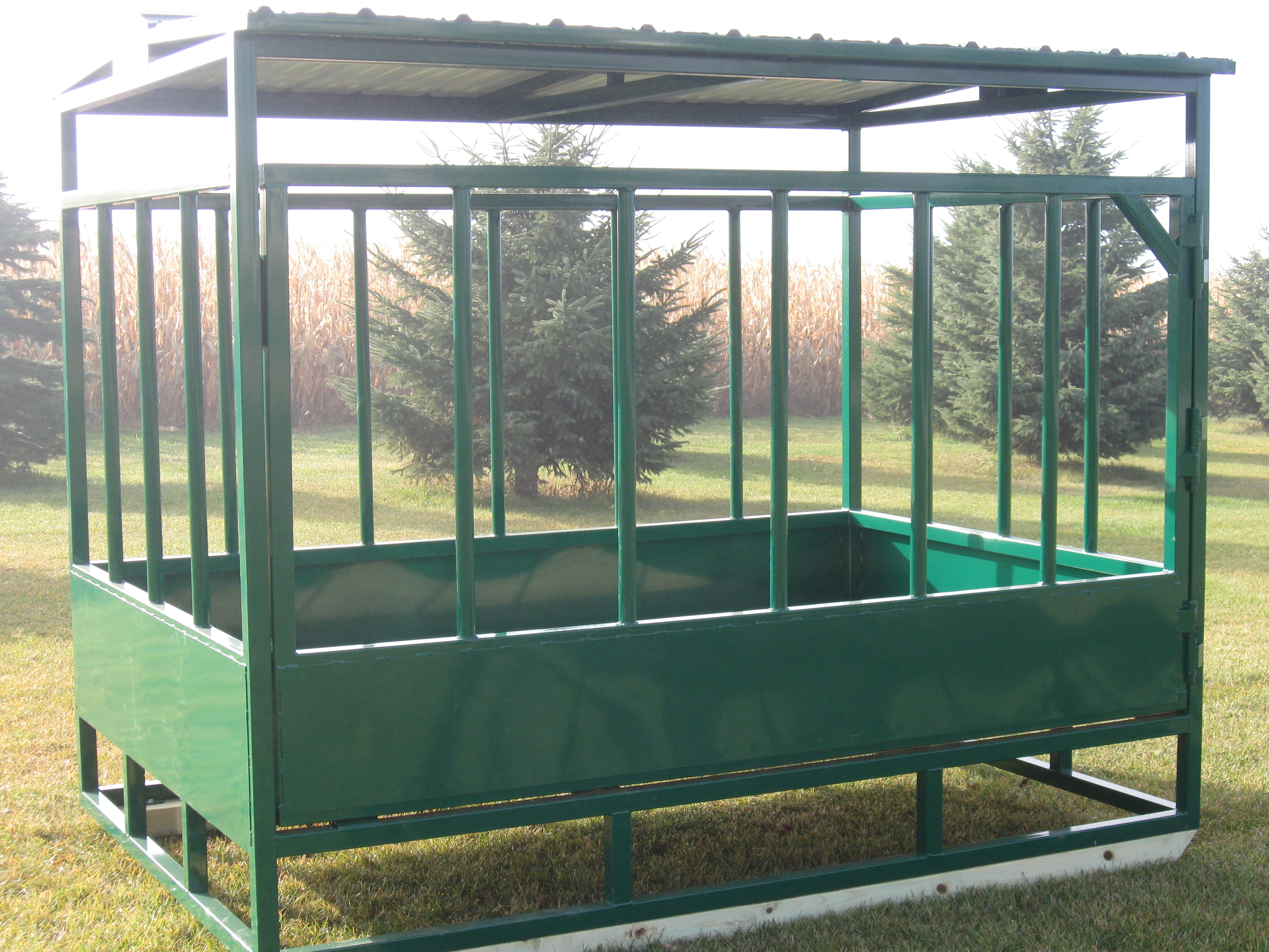 in feeder product three country feeders high corner plastics divider horse zoom a at